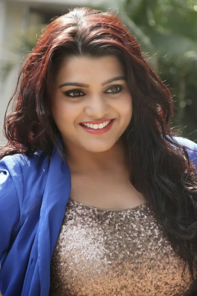 Tashu Kaushik Hot Photo Gallery at Reporter Movie Trailer Launch
