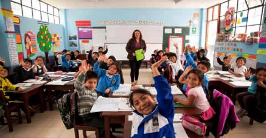 MINEDU: 138 mil docentes ya aplican nuevo Currículo Nacional en más de 11 mil instituciones educativas - www.minedu.gob.pe