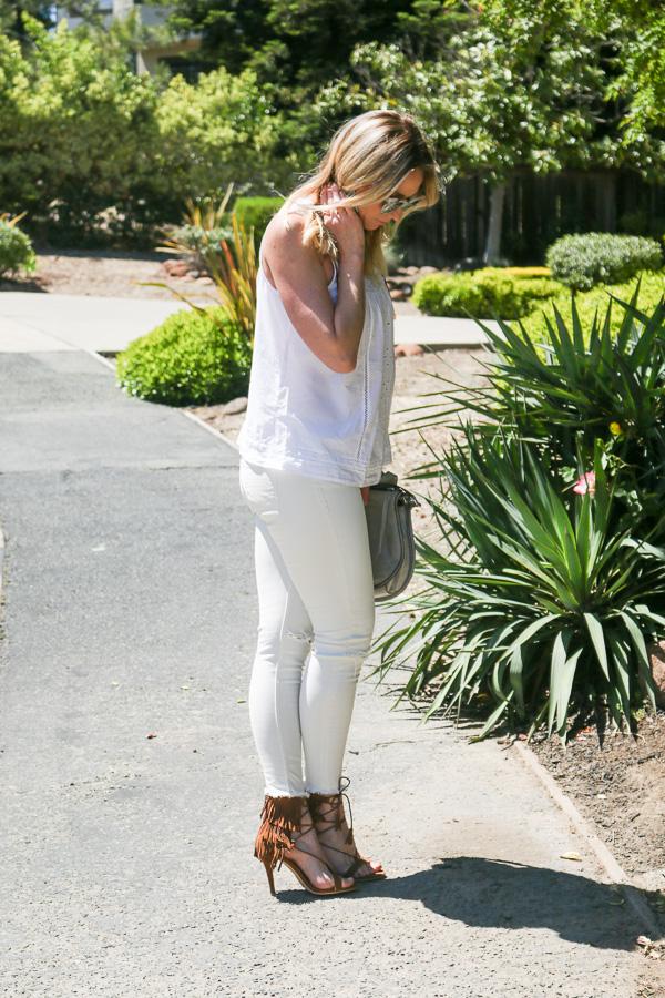 white skinny jeans raw hem