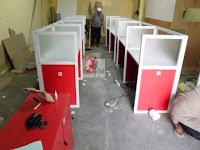 Meja Sekat Kantor Kaca - Glass Cubicle Workstation