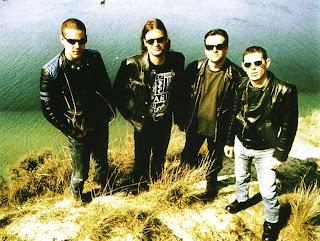 ΤΑ ΞΥΛΙΝΑ ΣΠΑΘΙΑ - ελληνικό ροκ συγκρότημα