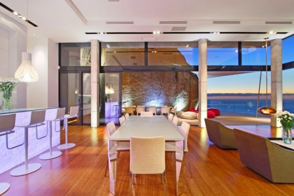 villa in cape town dining space