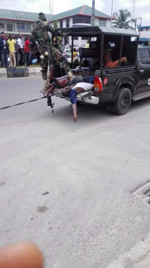 Graphic: Soldiers foil robbery attack in Port Harcourt, Rivers State, 7 robbers killed