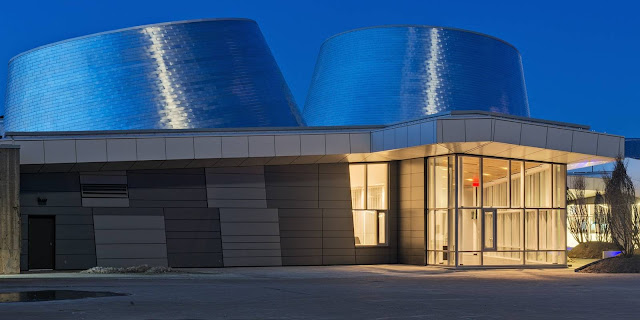 01-Rio-Tinto-Alcan-Planetarium-by-Cardin-Ramirez-Julien