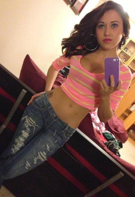 girl-selfie-pink