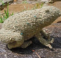 http://www.ravelry.com/patterns/library/tweed-toads