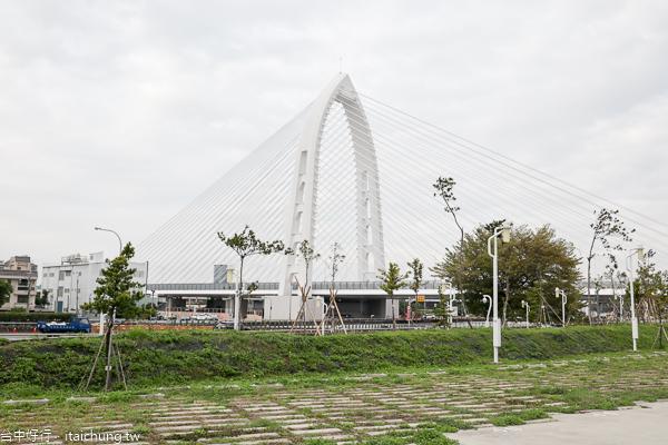 科湳愛琴橋