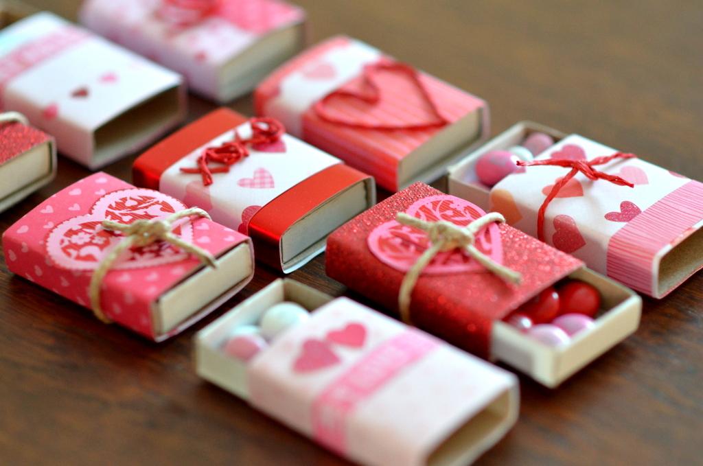 valentine wreath ideas paper roll up valentine wreath tutorial tatertots and jello