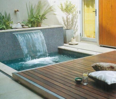 La buhardilla decoraci n dise o y muebles piscinas for Jacuzzi en patios pequenos