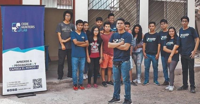 El problema no está en los estudiantes, sino en el método de enseñanza, sostiene Jorge Quispe, fundador de CodeHunters Lab