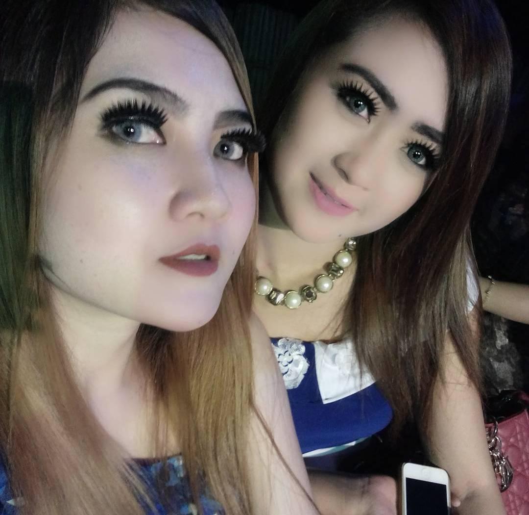 Hot Abis Dessy Thalita Foto Terbaru - Penyanyi Dangdut Ria