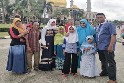 Liburan Akhir Tahun 2018 Hanya Jalan-Jalan di Masjid Kubah Emas dan ke TMII Museum Ikan