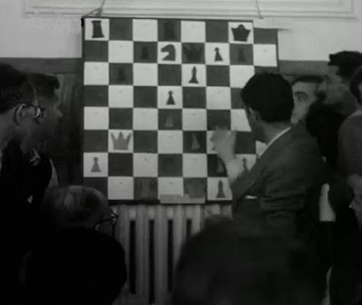 Mural con una posición de la partida de ajedrez Beltrán-Pomar, Campeonato de España 1946