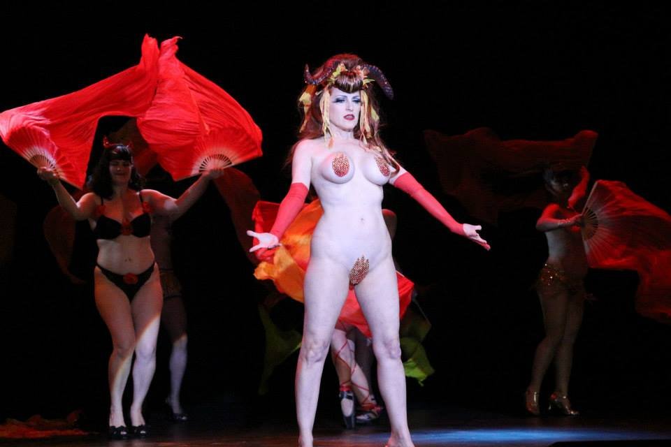 Jo 'Boobs' Weldon performing at The Burlesque Hall of Fame Weekend 2013.  ©Richard Just  (Trixie Little's B.I.G. Awards)