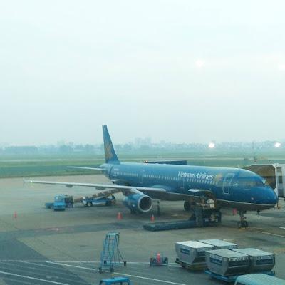 Sân bay Tân Sơn Nhất bị mất điện 40 phút do nổ biến áp