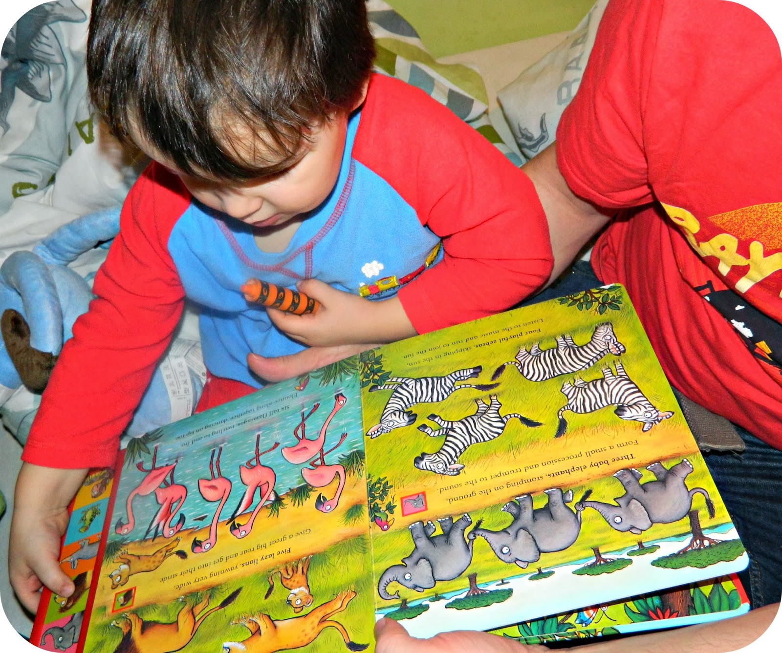 Axel Scheffler's Noisy Jungle from Campbell Books Reading with Daddy