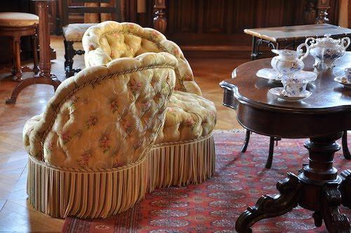 L'evoluzione del divano da Versailles ai nostri giorni tete a tete