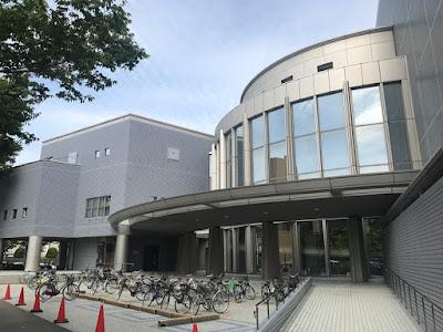 秋田県立図書館