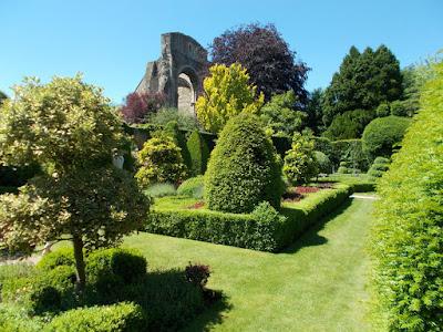 Borrowed landscape A Garden Design Masterclass at Abbey House Gardens