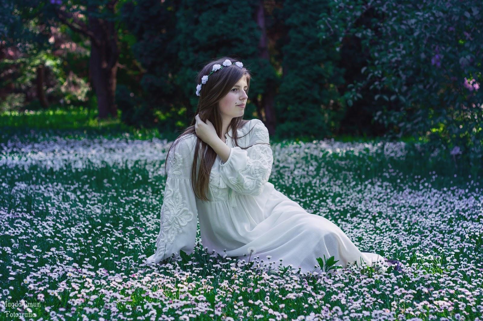 Sesja Ogrod Botaniczny Lublin, kwiatowa sesja, stokrotki, biale kwiaty