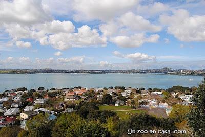 Devonport, con la ciudad de Auckland al fondo