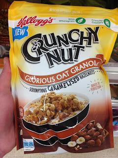 Kellogg's Crunchy Nut Oat Granola with Caramelised Hazelnuts: