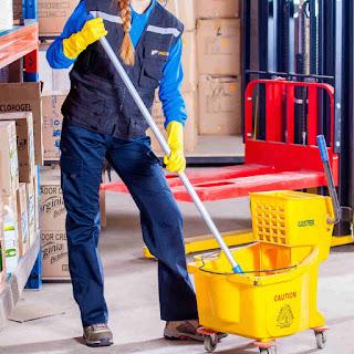peralatan jasa cleaning service