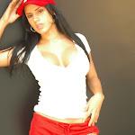 Andrea Rincon, Selena Spice Galeria 16: Linda Gorra Roja, Camiseta Blanca, Mini Tanga Roja Tipo Hilo Dental Foto 8