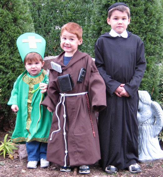 Many boy costumes can have a beard. You can either use a little face paint to draw one on buy a fake beard or click here to see directions on how to ...  sc 1 st  Catholic Icing & All Saintsu0027 Day Costume Ideas for Boys
