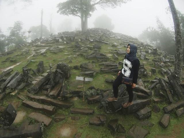 foto situs gunung padang cianjur