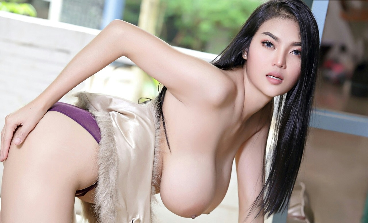 Hot thai babes naked