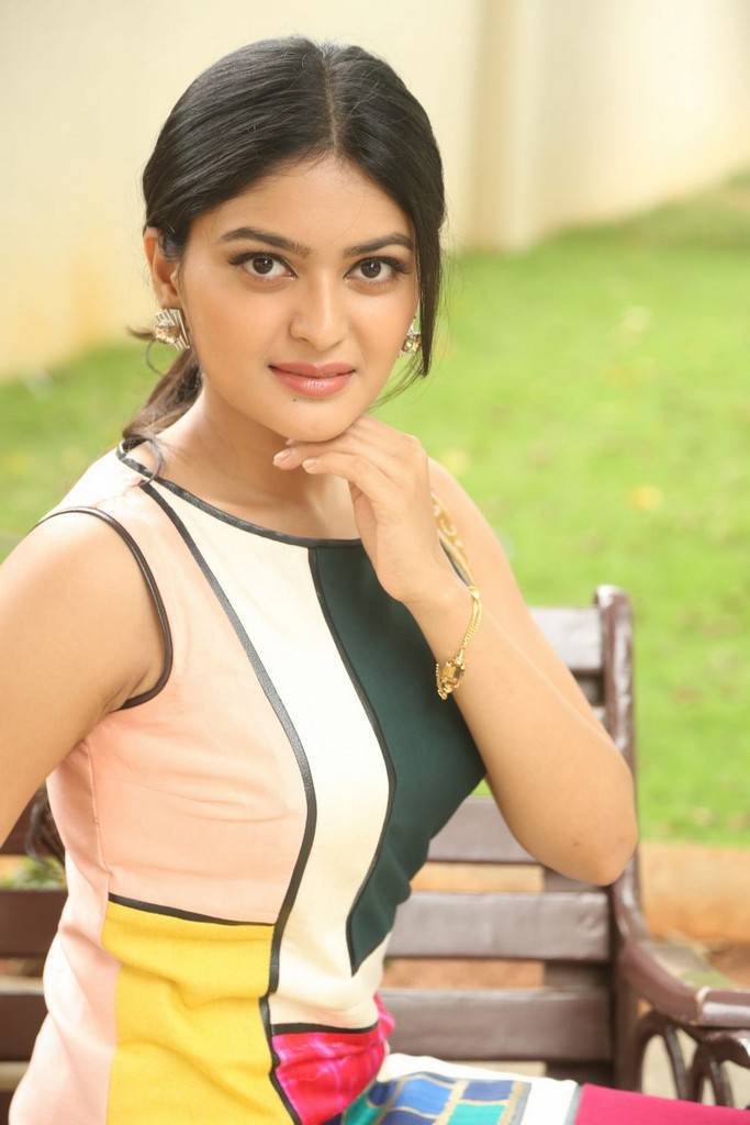Vaibhavi At Next Nuvve Movie Trailer Launch Photo Gallery