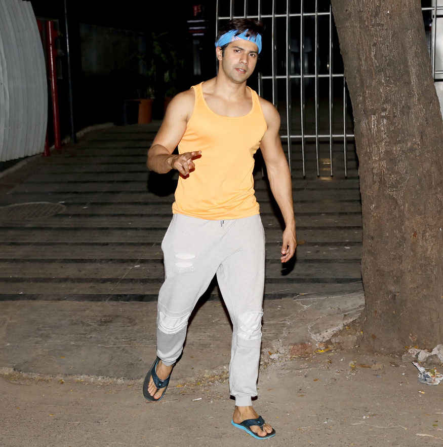 Varun Dhawan at Gym In Bandra