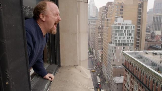 Une journée normale pour Louie (Louis CK) dans Louie, créée par Louis CK (2010-)