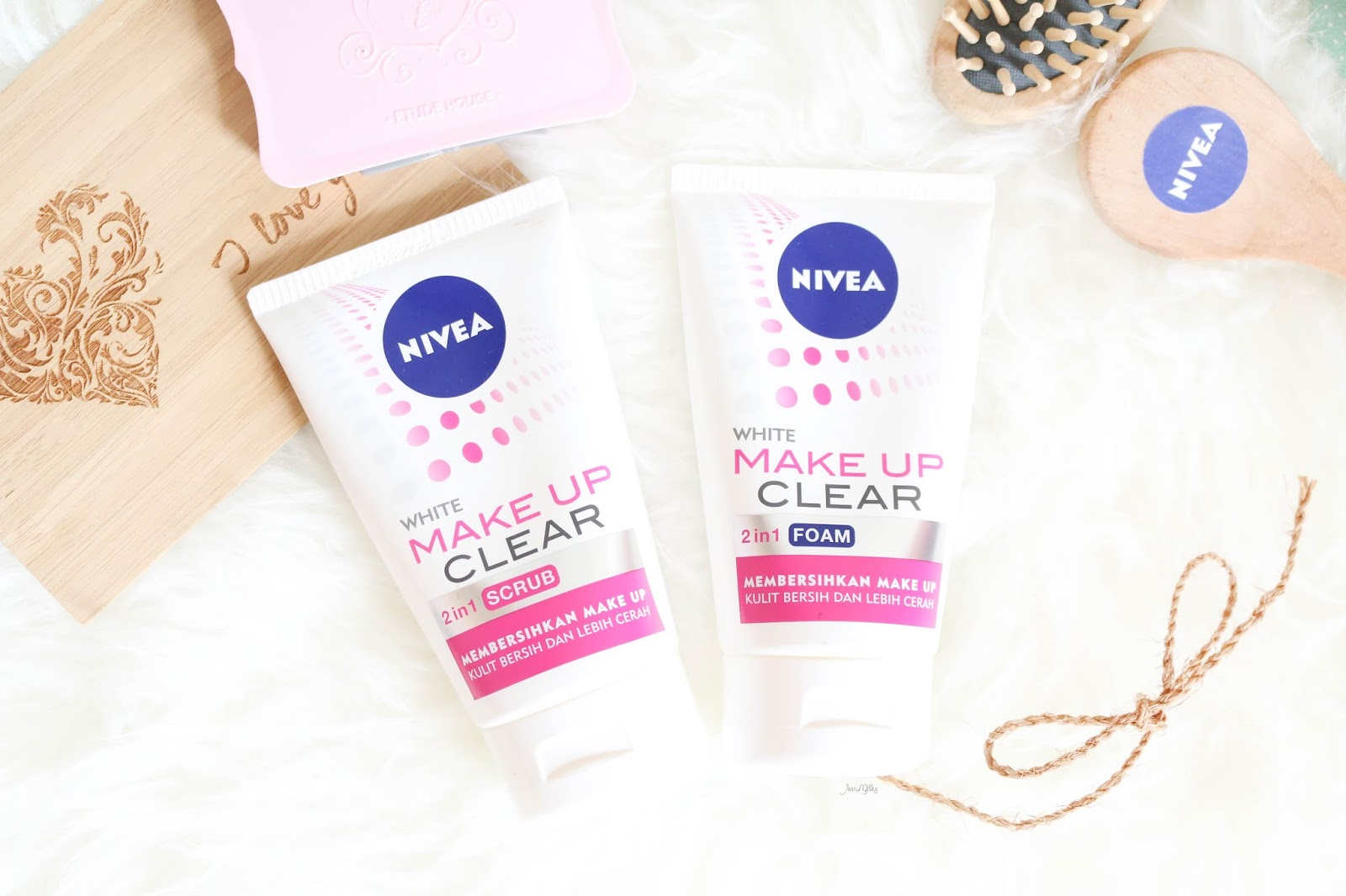 nivea, nivea indonesia, nivea make up clear, nivea makeup clear, nivea make up clear 2in1, nivea facial wash, fascial wash, drugstore, review nivea, review nivea make up clear