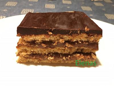 Nötkaka med kakaokräm och chokladglasyr i långpanna (Sumegi - rumänsk kaka)