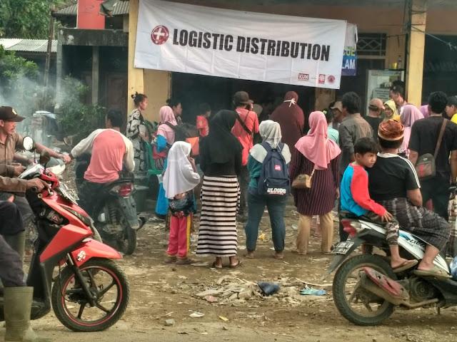 Warga Tanjung Lesung Sambut Antusias Bantuan Satgas BP Prabowo Sandi Yogyakarta