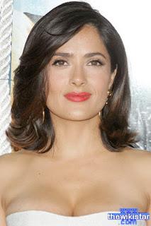 سلمى حايك (Salma Hayek)، ممثلة مكسيكية من أصل لبناني مقيمة في الولايات المتحدة الأمريكية