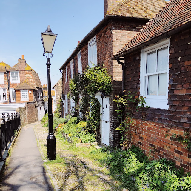 THE PERFECT DAY TRIP AWAY FROM LONDON: EXPLORING RYE & CAMBER SANDS
