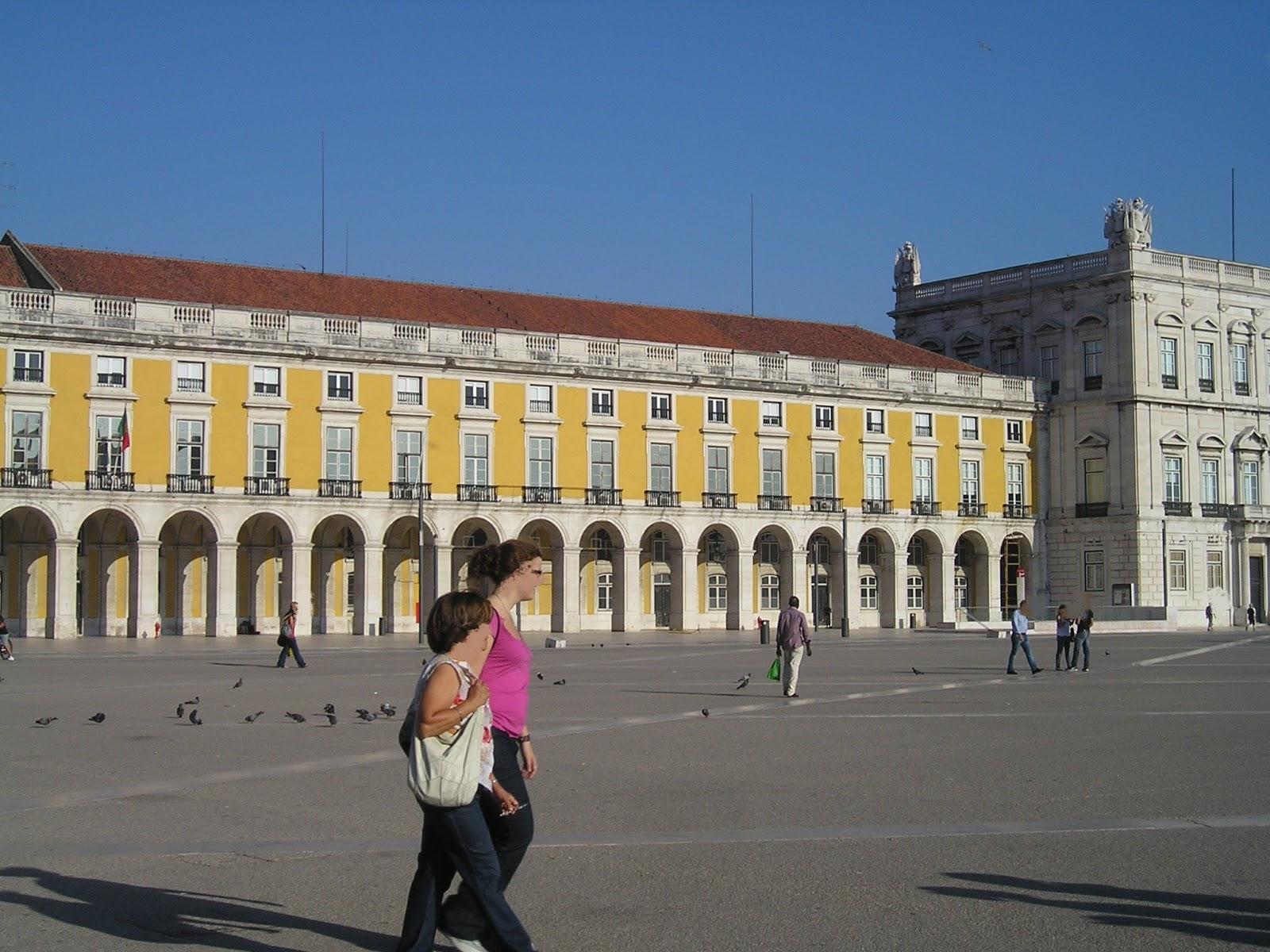 ... Grand Sculpteur Portugais, Sculpteur Officiel De La Maison Royale, Qui  A été Choisi Pour Construire La Statue Équestre Du Roi Joseph 1er. Du  Portugal.