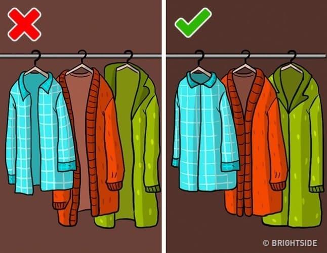 bc1c419b5e4bc بالطبع عندما تكون الخزانة مزدحمة بالملابس فهذا يُزيد من مشقة ترتيبها،  والمدهش في الأمر أننا نقوم بتخزين ملابس لا نستخدمها ولكن كل ما نقوم به هو  تخزينها ...