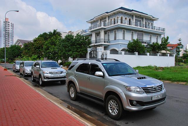 Đội xe Hành Trình Việt 2016 - dịch vụ cho thuê xe có tài xế