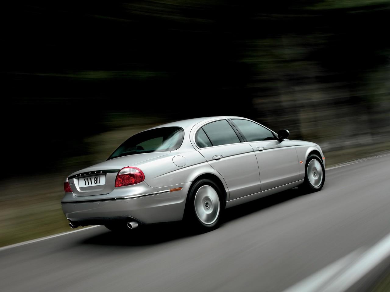 2008 Jaguar S-Type Pictures