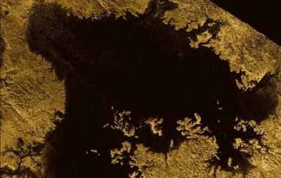 Ο δορυφόρος Τιτάνας του Κρόνου έχει θάλασσες από υγρούς υδρογονάνθρακες