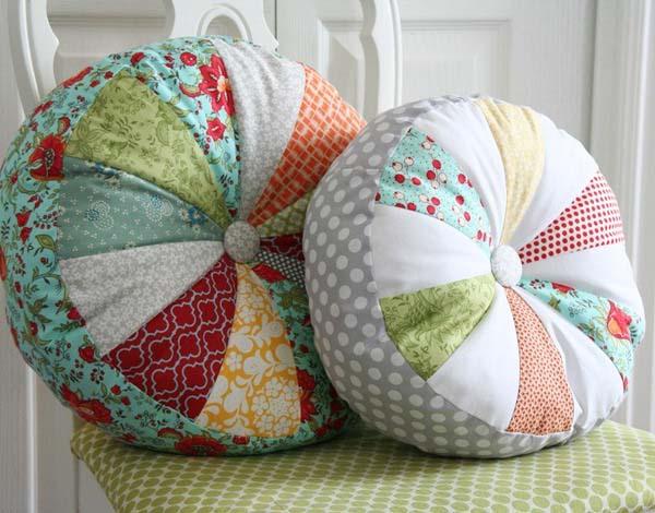 dekoratif yuvarlak yastıklar