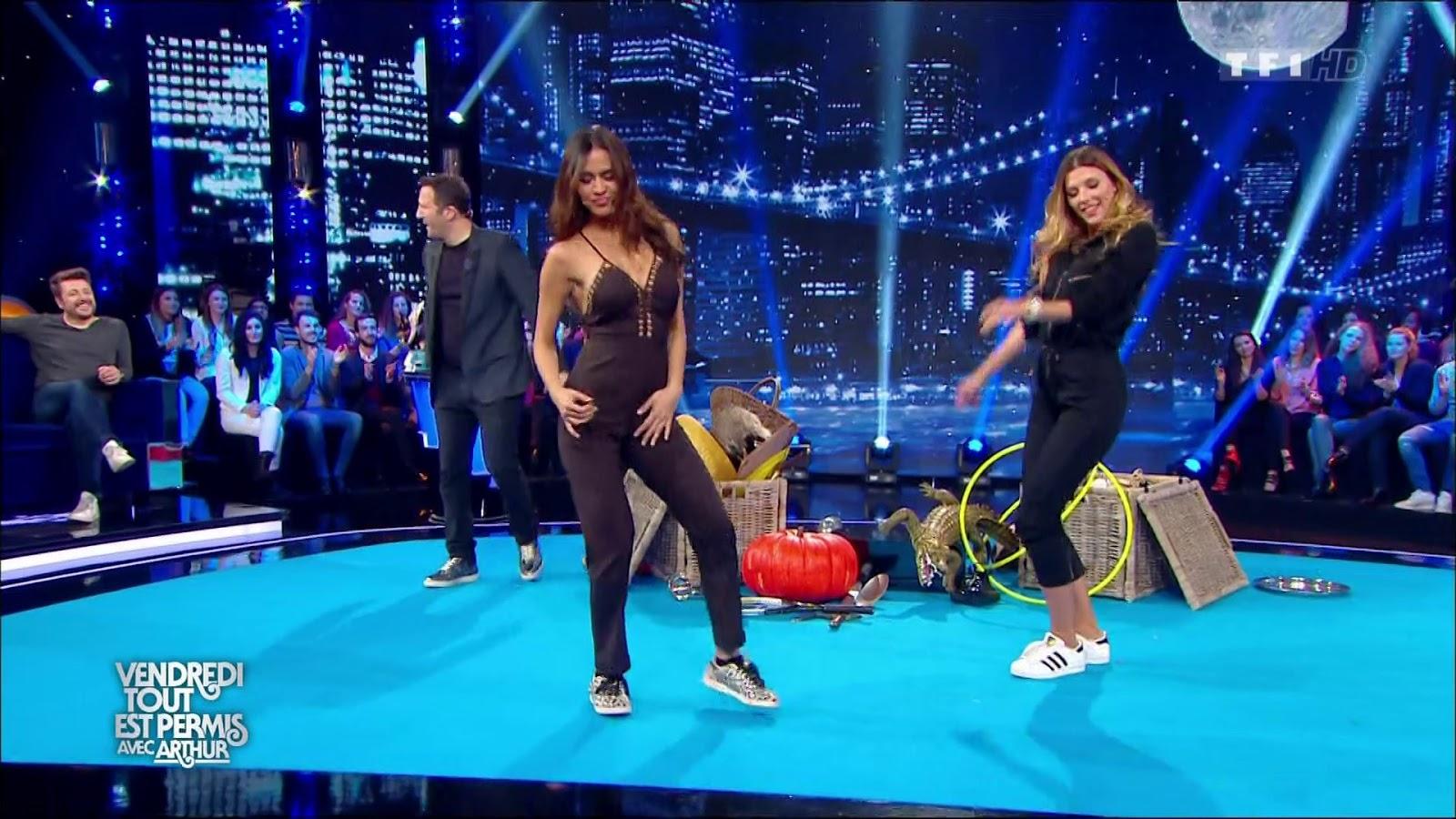 Camille Lou sexy Son twerk dans Vendredi tout est permis