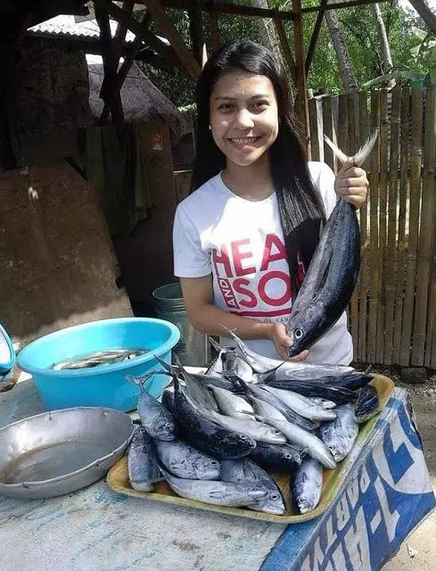 Inspiring ► This Filipina Fish Vendor Made Her Family's Dream Come True And Her Story Is Worth Reading!