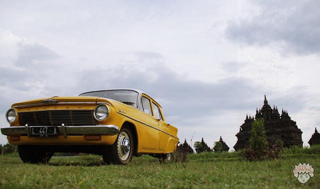 Holden Special di Candi Plaosan -journeyofalek-