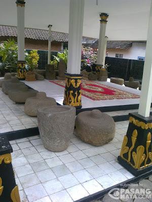 kimkanuruhan, Situs Watu Gong, 085-234-68-5885,Travel Malang Jogja, Travel Jogja Malang