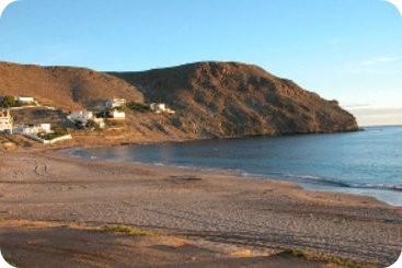 Playa frente al hotel El Dorado, Carboneras (Almería)